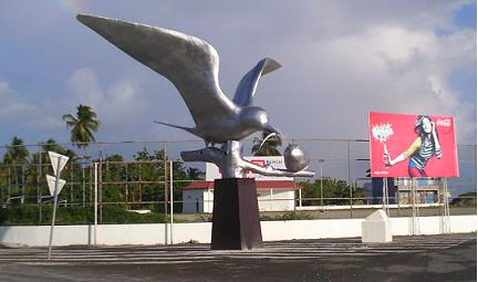 bird statue in Addu